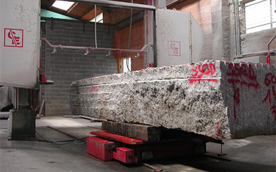 sciage bloc de granit